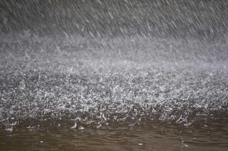 کراچی میں شام کے بعد معتدل بارش کا امکان