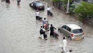 کراچی کے کئی علاقوں میں موسلادھار بارش، نشیبی علاقوں میں اربن فلڈنگ کا خدشہ