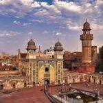 مسجد وزیر خان لاہور میں  ناچ گانے کی شوٹنگ ...ہمارے فنکار دیدہ دلیری سے جھوٹ بول رہے ہیں،شہباز گل.