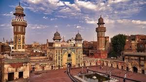 مسجد وزیر خان لاہور میں  ناچ گانے کی شوٹنگ …ہمارے فنکار دیدہ دلیری سے جھوٹ بول رہے ہیں،شہباز گل.