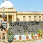 تجاوزات کیس'سپریم کورٹ... کمشنر کراچی نے شہر سے متعلق رپورٹ پیش کردی ،عدالت کا عدم اطمینان