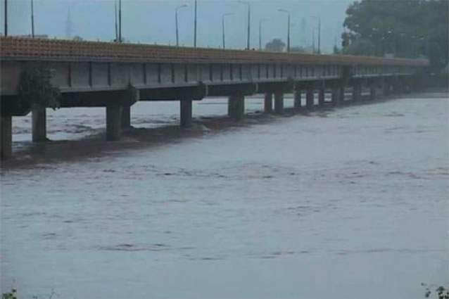دریائے چناب میں پانی کی سطح بلند، اکثر مقامات پر قریبی آبادی زیرآب