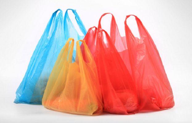 لاہور ہائیکورٹ: پھل فروشوں، فارمیسیز میں بھی پلاسٹک بیگز کے استعمال پر پابندی