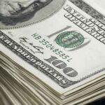 روپے کے مقابلے میں ڈالر مسلسل گراوٹ کا شکار، مزید 18 پیسے سستا