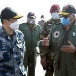 پاک چین مشترکہ فضائی مشق، سربراہ پاک فضائیہ مجاہد انور کی جنگی جہاز میں پرواز
