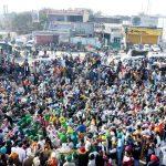 بھارتی سپریم کورٹ نے نئے زرعی قوانین کے نفاذ کو  معطل کر دیا.بھارتی کسانوں کا احتجاج جاری ہے