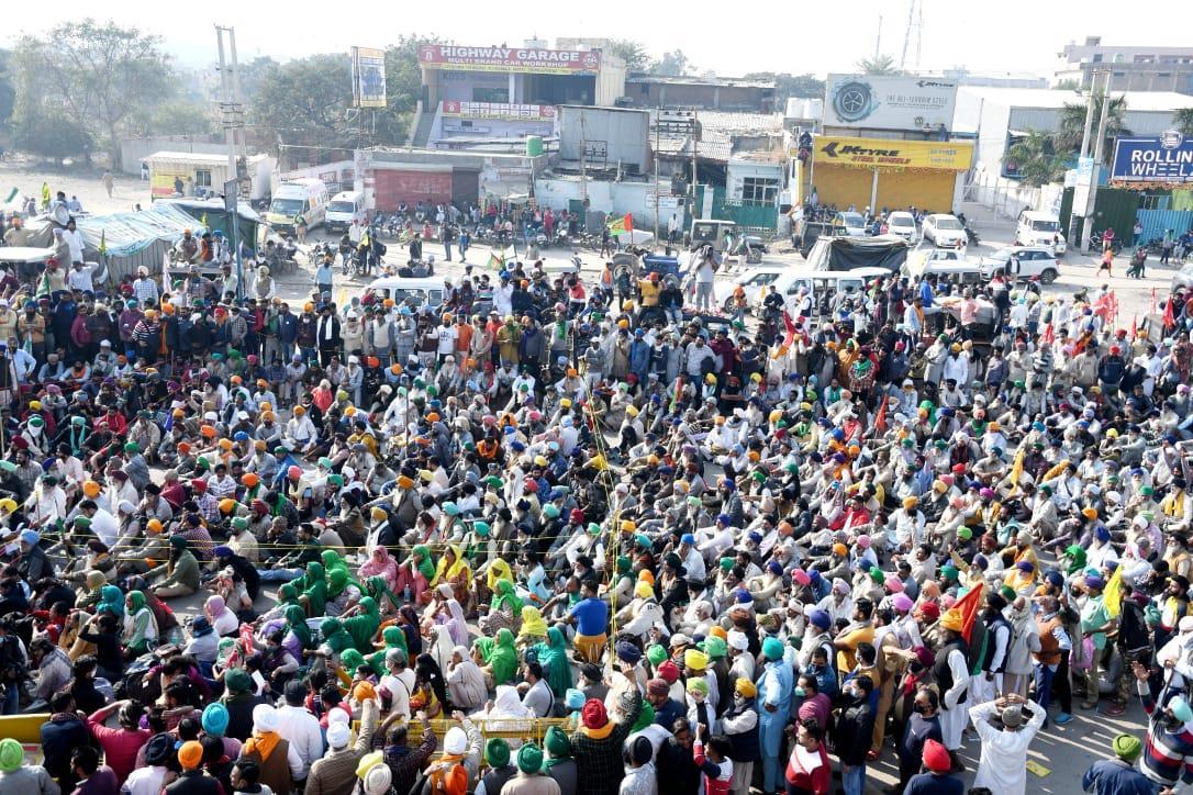بھارتی کسانوں کے مظاہرے جاری، کسانوں کا مودی کو خون سے لکھا گیا خط