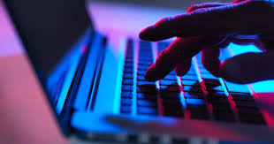 ڈیٹا پروٹیکشن قوانین نہ بنانے پر عدالت حکومت پر برہم