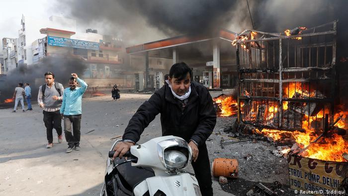 دہلی فسادات: ایک برس بعد بھی انصاف و معاوضے کا انتظار ..متاثرین کے دل دہلادینے والے واقعات