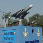 کمزور ایئرفورس اورناکارہ جہاز، عالمی میڈیا نے بھارت کو کاغذی شیر قرار دیدیا