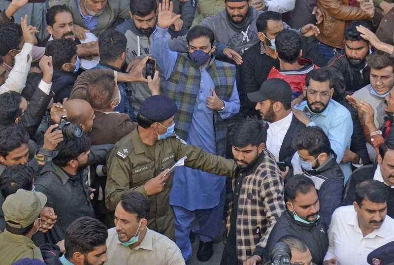 حمزہ شہباز رہا…اب نواز شریف کو آنا ہوگا اور عمران خان کو جانا ہوگا…رہائی کے بعد گفتگو