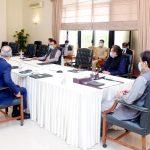 عوام پر مزید ٹیکس لگانے کی بجائے عوام کو ریلیف فراہم کرنے کے لیے آؤٹ آف باکس سلوشنز تجویز کیے جائیں: وزیرِ اعظم