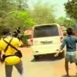 بھارت،مشتعل ہجوم کا نجی ٹی وی کی ٹیم پر حملہ