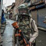 مقبوضہ کشمیر میں کورونا کی سنگین صورتحال کے باوجود فوجی آپریشنز جاری، بڈگام میں ایک نوجوان گرفتار