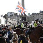 لندن میں بھی لاک ڈاؤن کیخلاف شہری سڑکوں پر، مظاہرے میں ہزاروں افراد کی شرکت