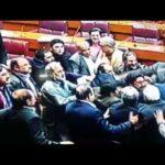 قومی اسمبلی میں پارلیمانی تاریخ کی بدترین ہنگامہ آرائی، فحش گالیاں دی گئیں